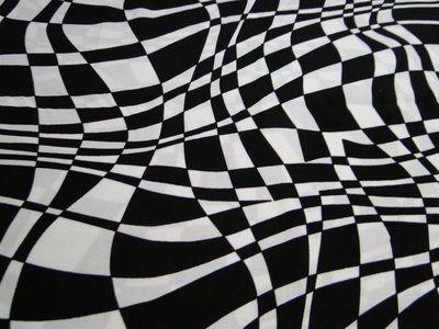 Stof, soepel vallend, grafische blok print. Geschikt voor het maken van een jurk of blouse. Bestel eenvoudig online! - Bas Bastiaans