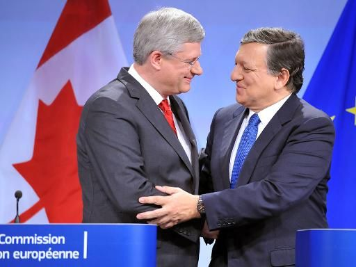 Canada and EU News! Read here: http://reyesglobaltrade.wordpress.com/2013/10/19/canada-and-european-union-agree-free-trade-deal/