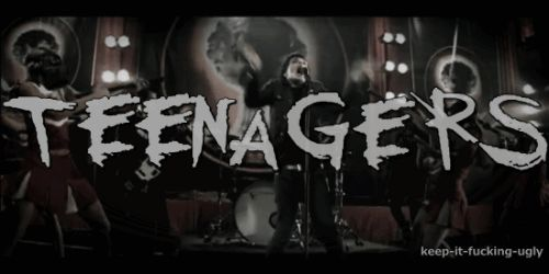 Teenagers ~ My Chemical Romance! I found the gif !!! Yes !<<<this is my new favorite gif