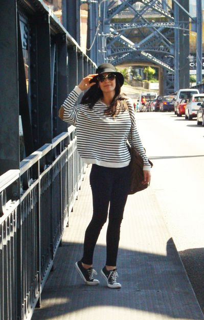 stripes / black denim / touch of brown / Chucks / outfit