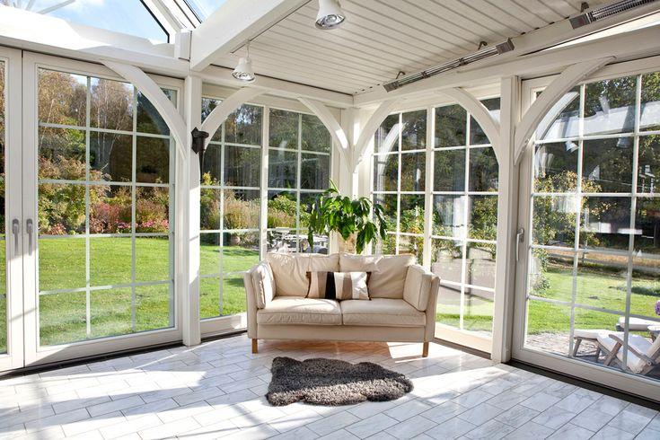 Ekstrands skjutfönster Patio Life med spröjs SP4:2. #Ekstrands #PatioLife #spröjs #skjutfönster #fönster #uterum #vinterträdgård