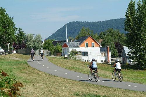 piste cyclable le Petit Témis à Témiscouata-sur-le-Lac au Bas-Saint-Laurent