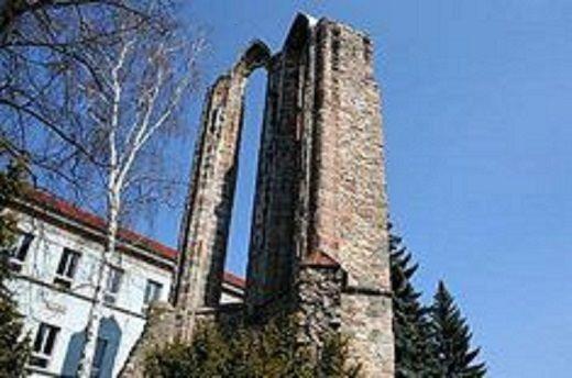 Benešov  Zřícenina kláštera minoritů Nanebevzetí Panny Marie
