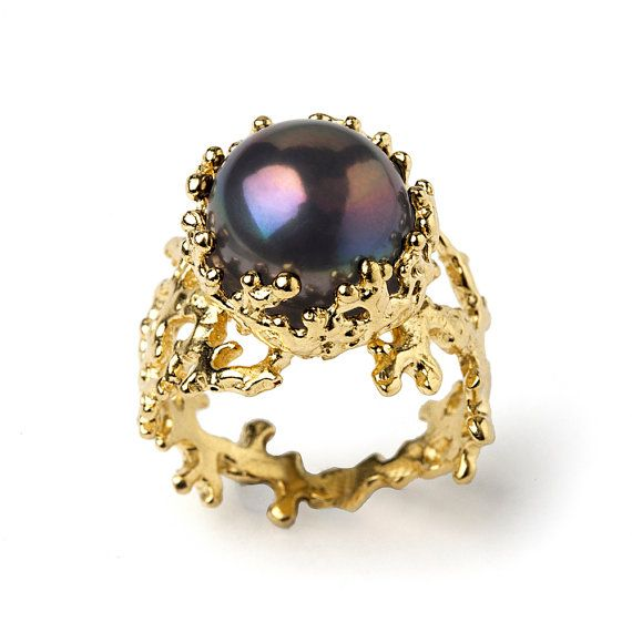 20% Off SALE CORAL Black Pearl Ring Gold Pearl by AroshaTaglia