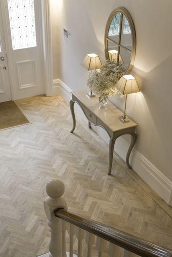 (via Pin by Judith Peacock on Entryways & Hallways, Stairs & Mud Rooms | Pinterest)