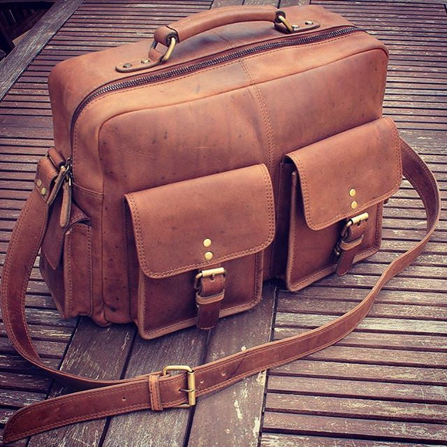 """Vintage leather Flight bag 16"""" Made in Antico leather www.ruavintage.com…"""