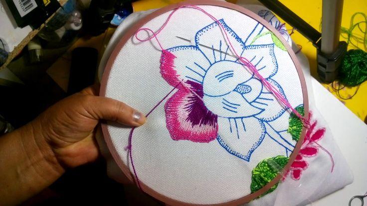 Puntada cencilla para una flor grande