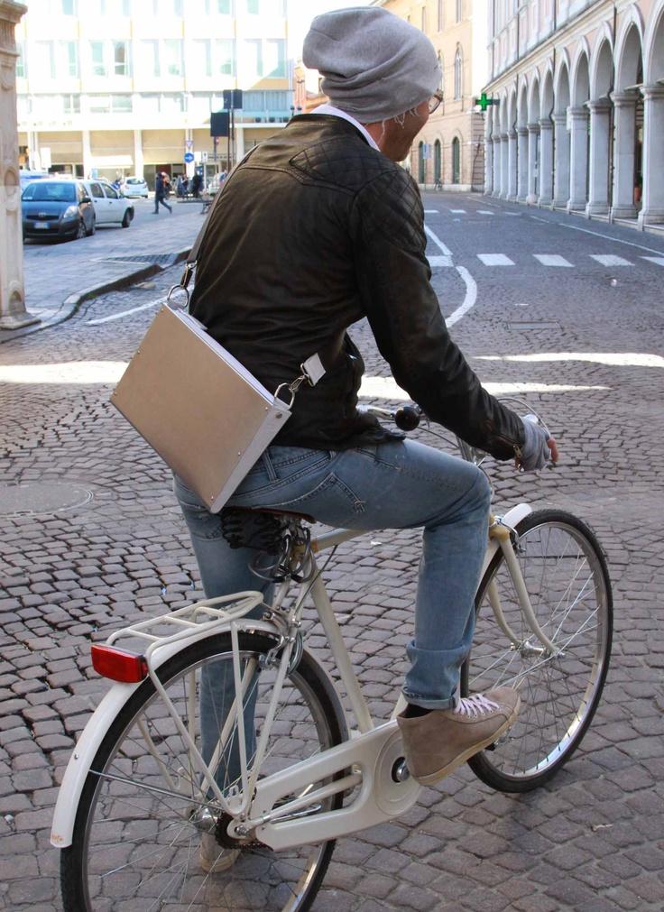aluminium bag for your uktrabook & tablet!  www.harrierdesign.it