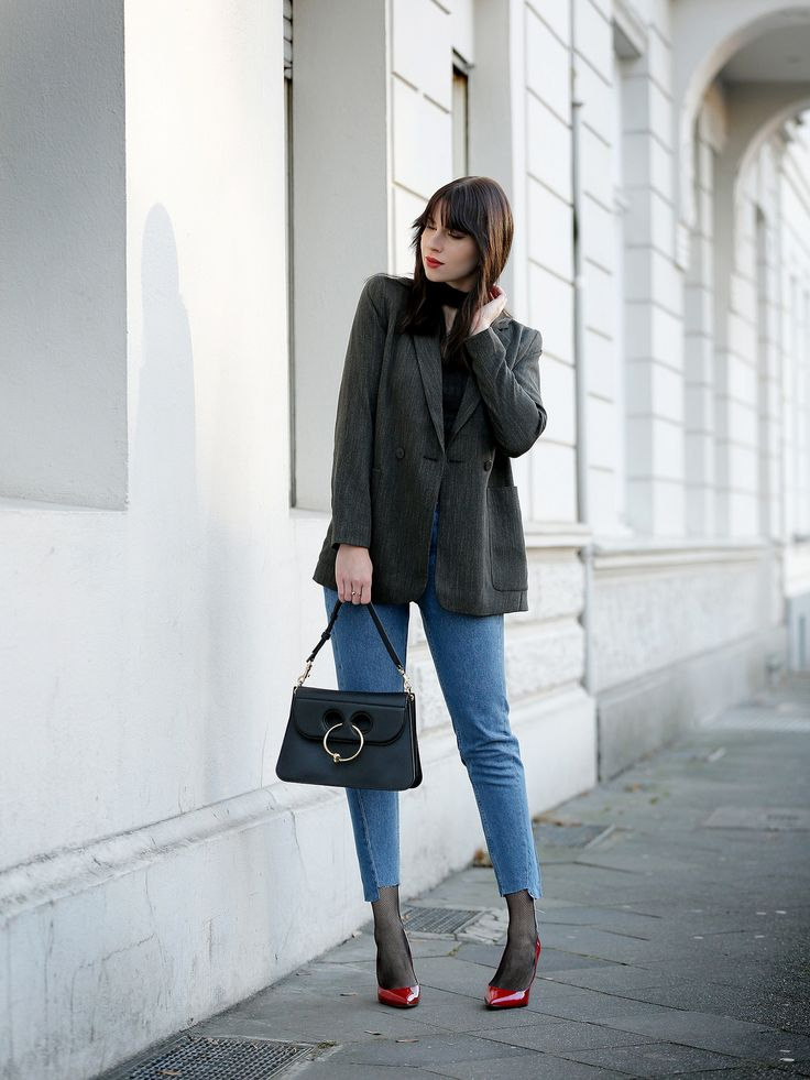 outfit blazer red shoes fishnet tights j.w.anderson pierce bag h&m jeans festive party ootd ootn lookbook