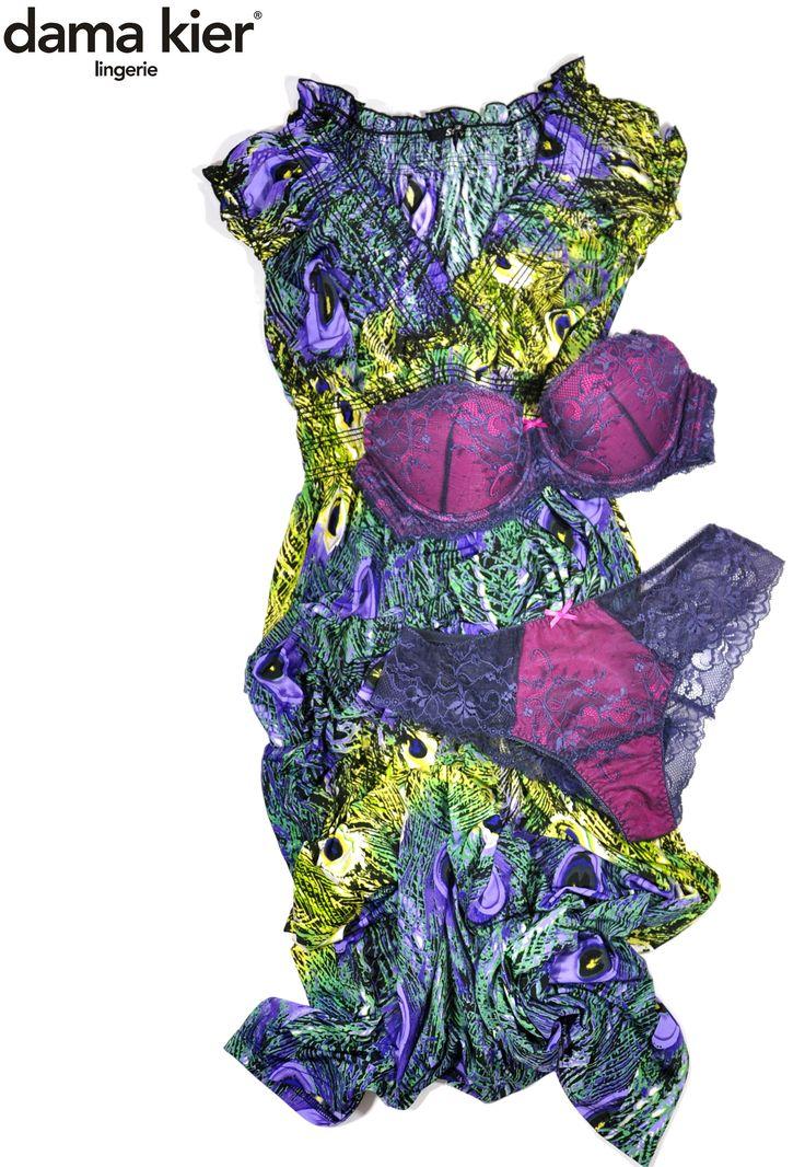 Stylizacja: bielizna Ivonne (biustonosz push-up i figi typu tanga) oraz sukienka w pawie pióra.