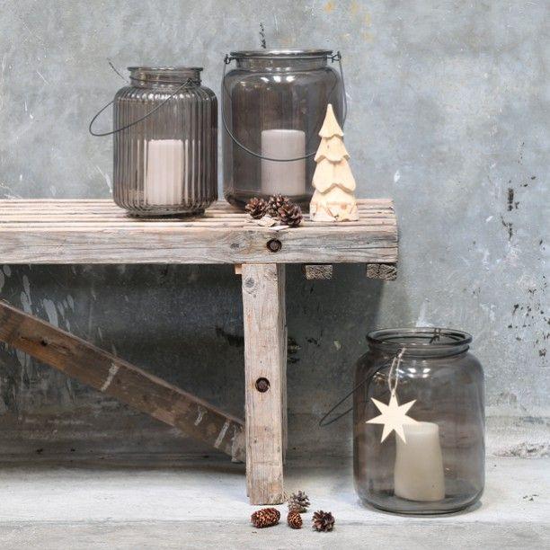 Glass lanterns in two different designs. PriceS from DKK 69,00 / SEK 96,00 / NOK 94,00 / EUR 9,66 / ISK 1923 #glass #lantern #lanterns #outdoor #candle #lys #winter #evening #christmas #udendørs #christmasdecoration #inspiration #christmasinspiration #jul #sostrenegrene #søstrenegrene
