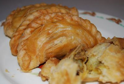 Hermie the Thermie ... Spiral curry puffs