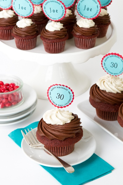 Personalize your cupcakes toppers!