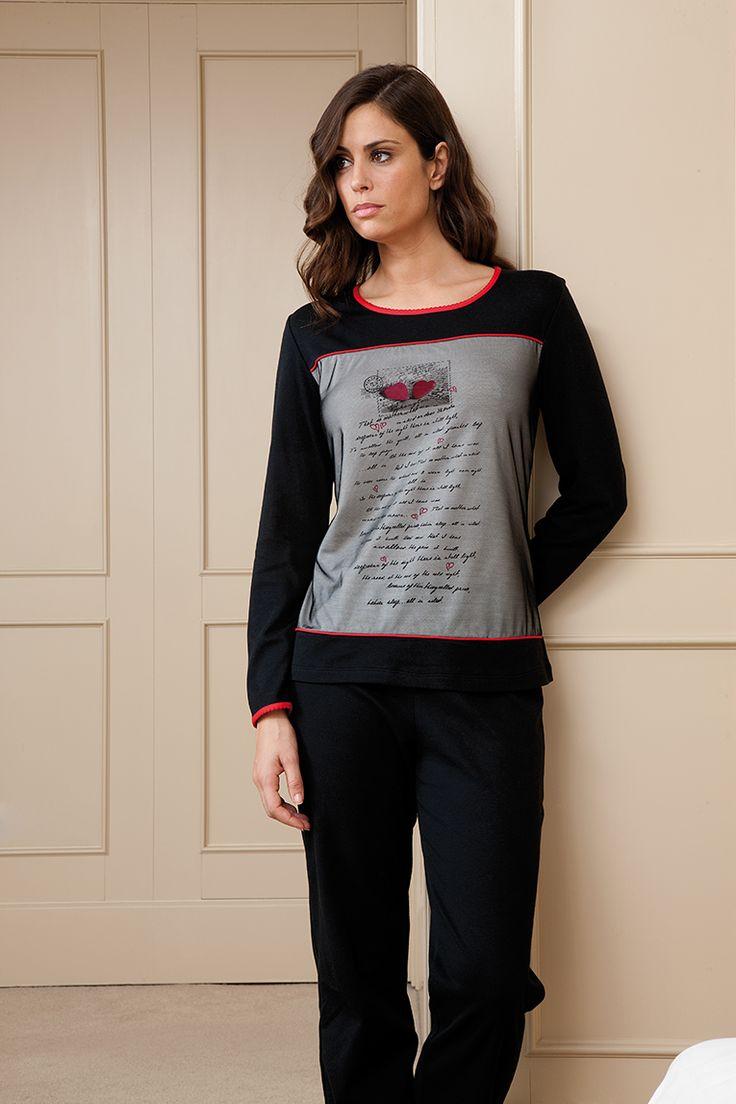 Pijama romántico de punto combinado con tul en la parte delantera. #tul #pijama #egatex #sleepwear