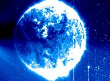 É falsa a história de um UFO interagindo com o Sol Farsa surgida no Facebook leva ao habitual sensacionalismo; imagem surgiu de falha momentânea em nave da NASA   Leia mais: http://ufo.com.br/noticias/-falsa-a-historia-de-um-ufo-interagindo-com-o-sol  CRÉDITO: NASA  #Farsa #UFO #Sol #NASA #StereoA #PamelaJohnson #PhilPlait #BadAstronomy #Venus #RevistaUFO