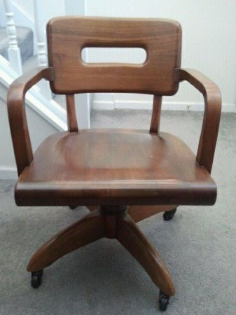 Mid-Century Magic: Your New Office Chair