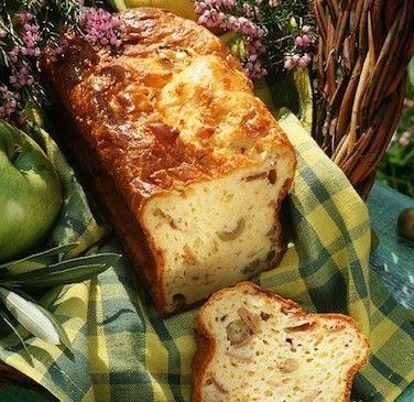 Cake aux olives au jambon - Recette de grand-mère