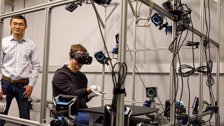 Mark Zuckerberg shows off prototype Oculus VR gloves - The Verge