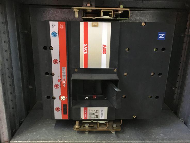 Interruttore scatolato SH 1250 estraibile