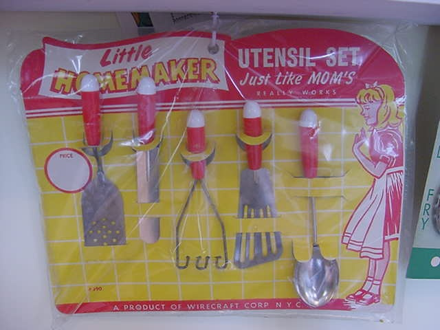Toys For Girls In 1950 : Best images about vintage toy kitchen appliances on