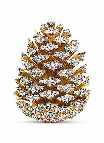 Pinecone Brooch ~   Sicilian duke-turned-jewelry-designer Fulco di Verdura (1898-1978)