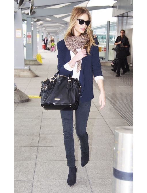 .: Rosie Huntington Whiteley, Casual Style, Airports Style, Chic, Black Metal, Street Styles, Travel Outfit, Airport Style, Rosie Huntingtonwhiteley
