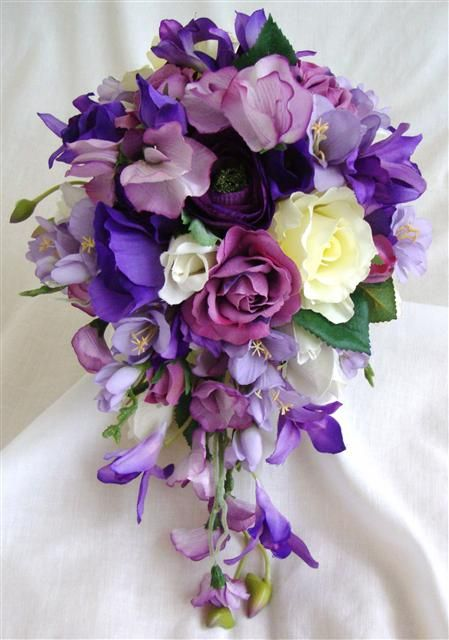 international fashion: Lilac wedding dresses