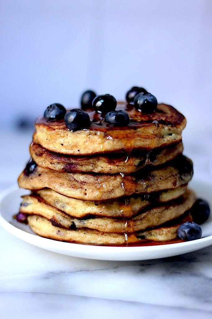 the perfect fluffy blueberry pancake.