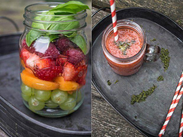 LETNÉ SMOOTHIE S BAZALKOVÝM CUKROM (marhuľa, hrozno, jahody, maliny, pomarančová šťava; kryšt cukor, bazalka)