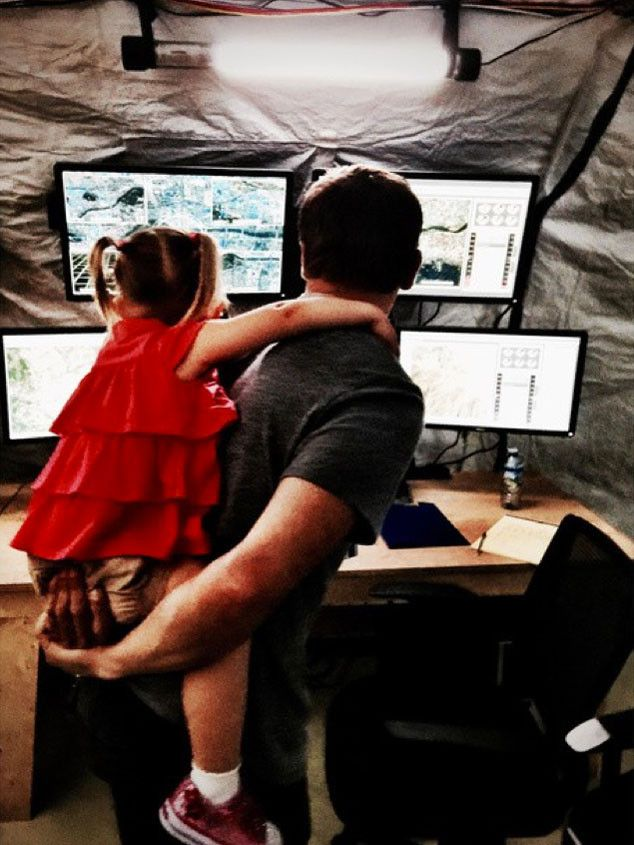 """Jeremy Renner Recalls His 2-Year-Old Daughter's Visit to Mission: Impossible Set: """"She Thinks I'm a Painter"""" Jeremy Renner, Daughter, Instagram"""