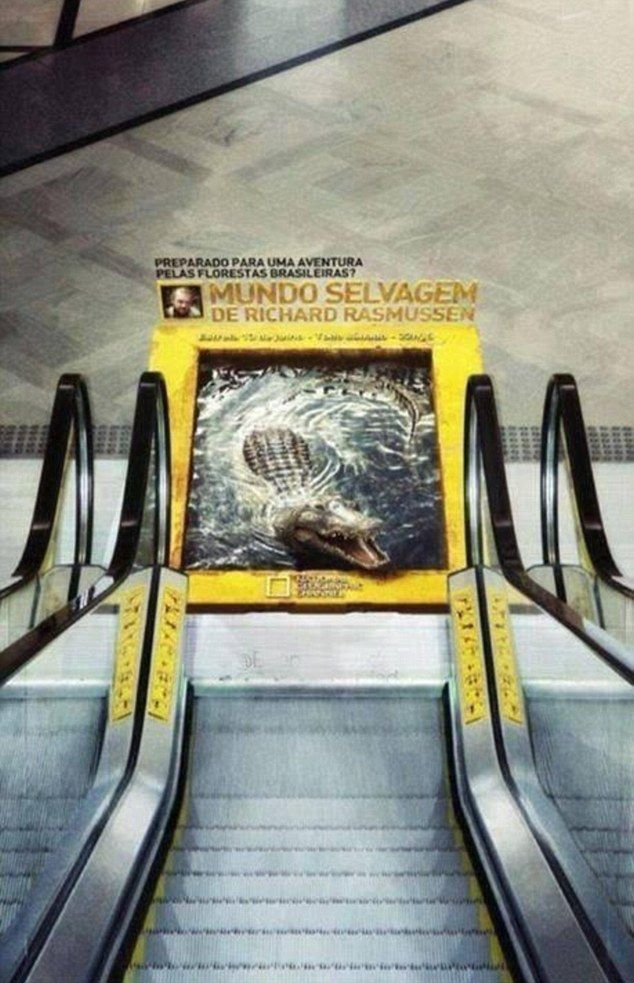 Hazlo rápido: El anuncio del cocodrilo 3D, al pie de una escalera mecánica en Brasil