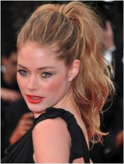 If you have long hair a high ponytail is the perfect prom hair #ISObeauty