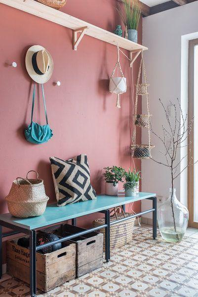 Neues wagen: Wunderschöne Wandfarben-Ideen aus der Community | SoLebIch.de Foto: Leelah #solebich #Wandfarbe #neue #trend #Wandgestaltung #Farbe #streichen #umstreichen #inspiration #ideen #Flur #eingangsbereich #eingang #rosa #rosaton #terracotta #apricot
