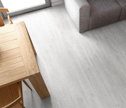 Premium suelo laminado frozen oak apartamento en la for Como instalar suelo laminado
