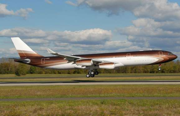 The world's most pricy private jet belongs to Alisher Usmanov, Russia's richest man. He paid $238 mi... - Roland Nussbaumer CC via Wikipedia