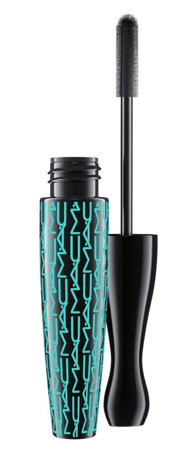 Achieving perfect lashes with this waterproof mascara that is perfect for summer when headed to the pool.