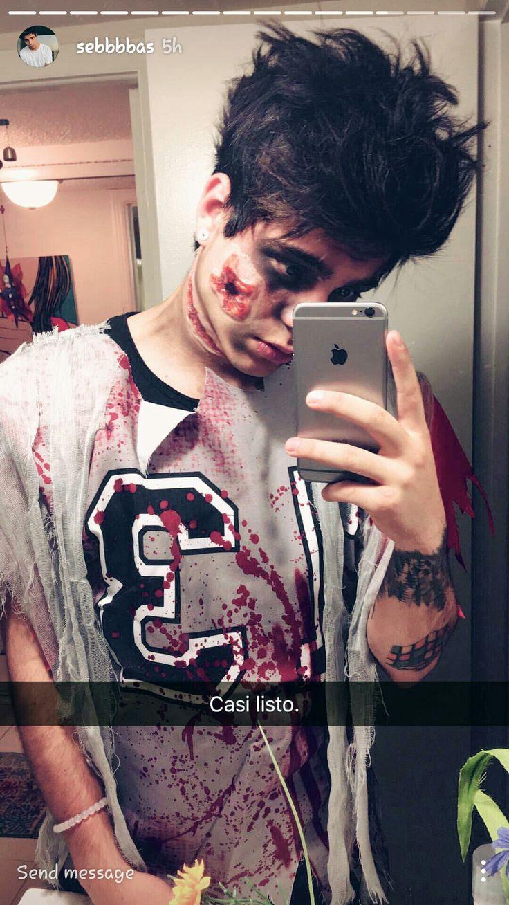 Sebas <3 yo también quiero un zombie así e.e