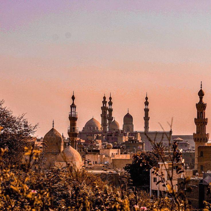 Excursiones en Egipto, El Cairo islámico http://www.espanol.maydoumtravel.com/Paquetes-de-Viajes-Cl%C3%A1sicos-en-Egipto/4/1/29