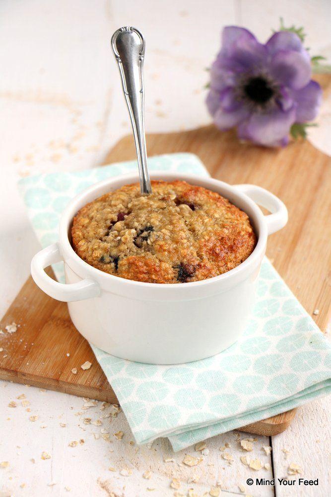 Havermout ontbijtcake met blauwe bessen - Mind Your Feed. Voor FODmap de honing…