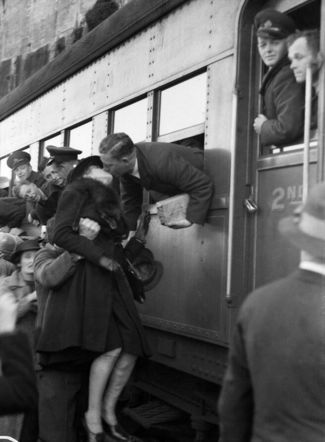 Exhibition: 'Home Front: Wartime Sydney 1939-45' at the Museum of Sydney http://wp.me/pn2J2-3g1 Dr Marcus Bunyan. Poignant photographs in this posting of young Australian men setting off to fight in the early stages of the Second World War. The last photograph in the posting is so very eloquent it actually moved me to tears. The women being hoisted aloft to kiss her loved one last time...  Photo: S Hood 'Sydney embarkation, 13 September 1940' 1940