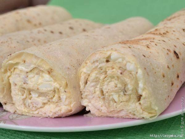 Рулеты из лаваша с курицей и плавленым сырком | Наша кухня - рецепты на любой вкус!