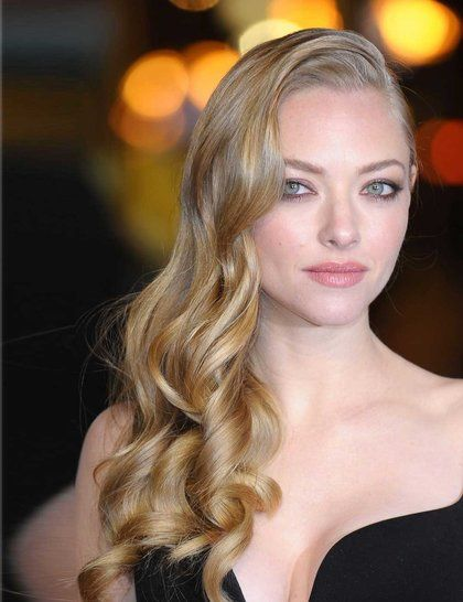 We loved Amanda Seyfried's gorgeous side swept style at the London Premiere of Les Miserables | ELLE UK