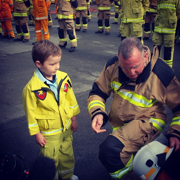 5 yr-old Rex Darmanin-Rees had his dream come true today thanks to our #Caloundra Fire Station and Make-A-Wish Australia. Rex was diagnosed with acute lymphoblastic leukaemia in January 2011. Although he has spent much of the past year in and out of hospital undergoing treatment, the promise of his wish to become a fireman helped him through his difficult journey. #QFRS