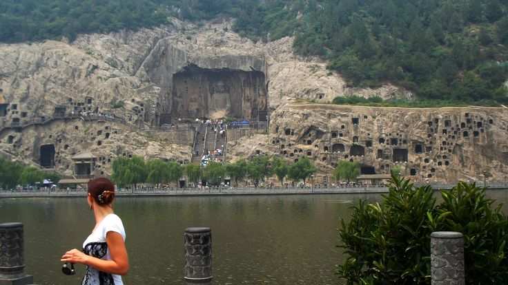 me at #Longmen (Dragon Gate) Caves. Finest (and giant) Chinese Buddhist art, carved in the stone. #Luoyang, #Henan province