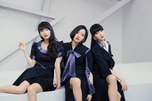"""The full MV forSweet Refrain will be premiered on Space Shower TV's """"BIG HITS!"""" at November 8th, 15:00~17:00 [JST] Edit: The PV will be aired earlier, on Space Shower TV's """"NEW CUTS"""", which will be broadcasted between 07:30~08:00 [JST]!! (Sources: Twitter; Official Site)"""