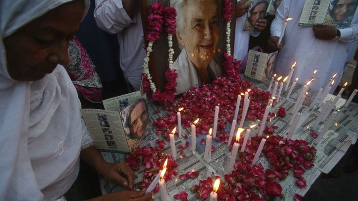 """Mourners have attended a state funeral of Ruth Pfau, a German physician and nun who earned international acclaim by devoting her life to the eradication of leprosy in Pakistan.  Known as """"Pakistan's Mother Teresa,"""" she died on Aug. 10 at age 87 in Karachi, the capital of... - #Attend, #Funeral, #Mother, #Mourners, #Paki, #Pfau, #Teresa, #TopStories"""