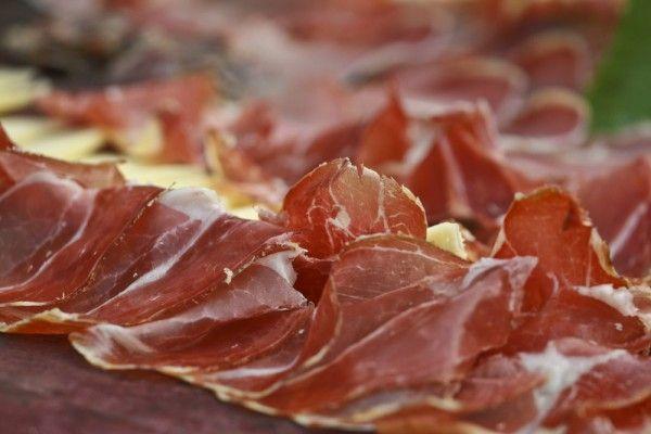 Пршут (хорв. Pršut и словен. Pršut) — традиционное хорватское, словенское и черногорское блюдо, свиной окорок, копчёный на углях или вяленый на ветру и солнце.