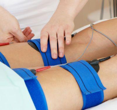 VENTAJAS DE LOS ELECTRODOS: Trabajo muscular sin lesiones y sin esfuerzo físico. Aumento de la fuerza muscular. Hipertrofia muscular (glúteos, muslos, abdominales, pectorales…) Tratamiento específico para celulitis de cualquier grado. Tratamiento específico para flacidez. Tratamiento post-parto, que recupera la figura en pocas sesiones. Mejora la circulación sanguínea y linfática. Logra resultados en muy pocas sesiones.