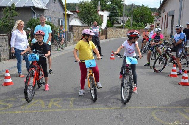 Časovka do vrchu Jantex – Banské – Mláčky 2015 mala aj detský prológ, keď v štyroch kategóriách súťažilo aj 16 mladých nádejných cyklistov. #Cyklistika #Cyklisti #CyklistikaPreDeti #Banske #Mlacky #Jantex #Pretek #Preteky