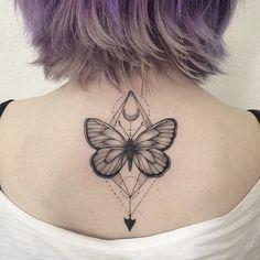 tatuajes de mariposas espalda